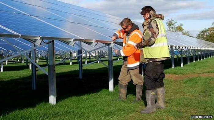 BBC News: Wedmore village has 4,000 solar panels installed